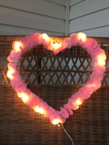 Festive Valentine Porch Decorating Ideas 21