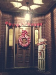 Festive Valentine Porch Decorating Ideas 46