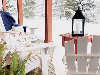 Festive Valentine Porch Decorating Ideas 49