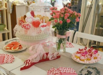 Inspiring Table Decoration Ideas For Valentines Party 02