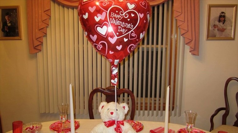 Inspiring Table Decoration Ideas For Valentines Party 07