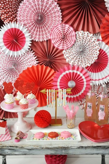 Inspiring Table Decoration Ideas For Valentines Party 25