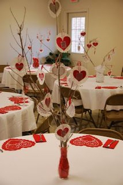 Inspiring Table Decoration Ideas For Valentines Party 27