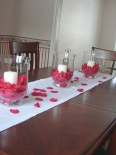 Inspiring Table Decoration Ideas For Valentines Party 39
