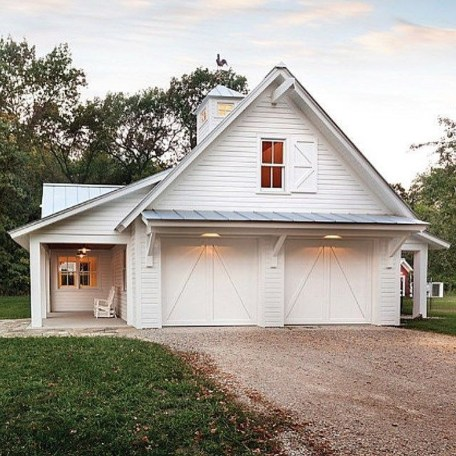 Modern Farmhouse Exterior Designs Ideas 32