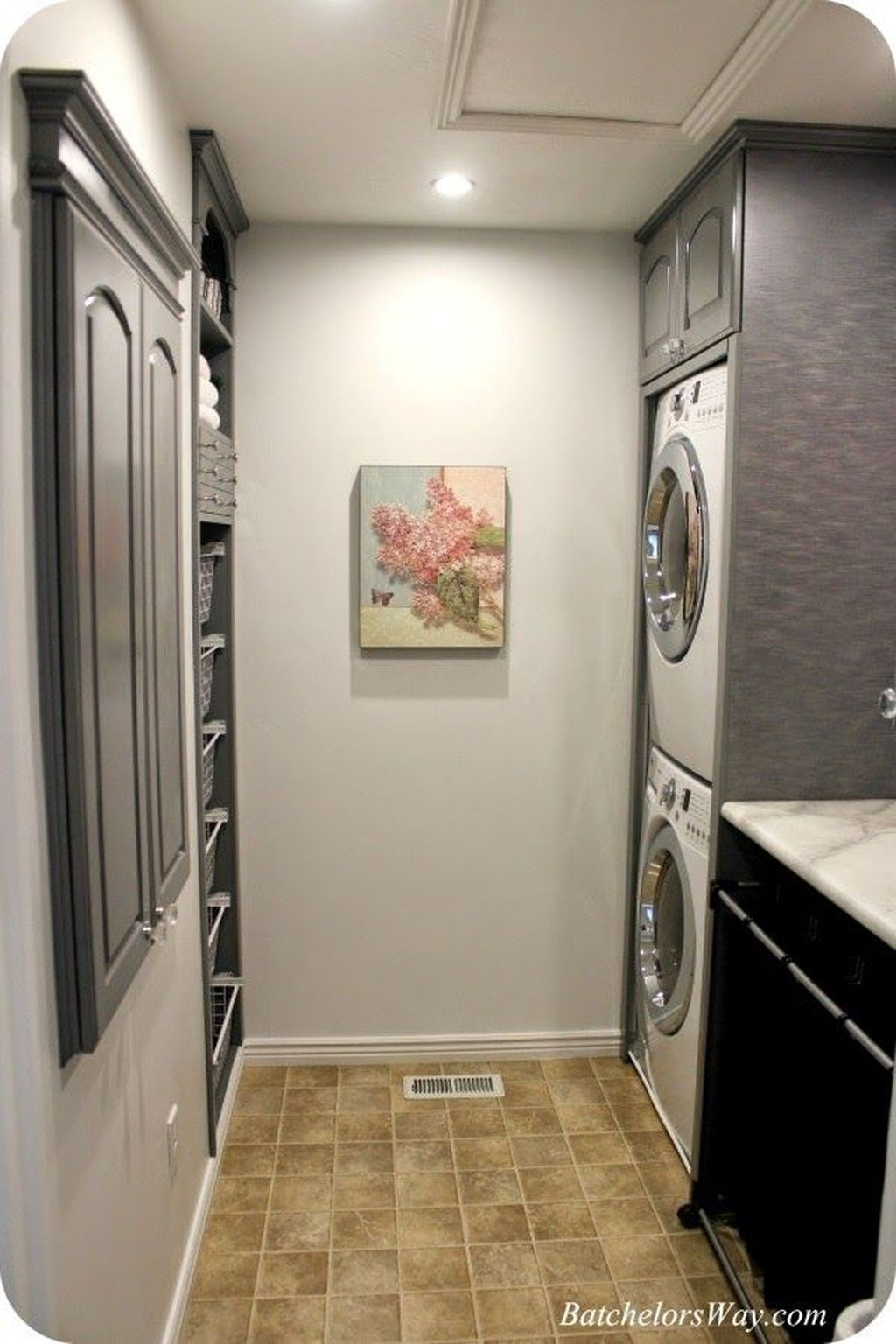 Totally Inspiring Small Functional Laundry Room Ideas 37