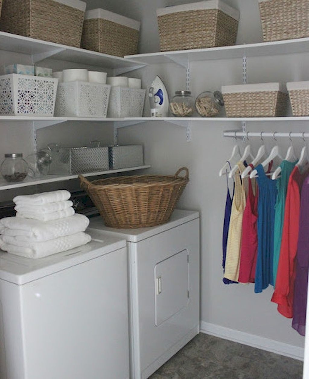 Totally Inspiring Small Functional Laundry Room Ideas 38