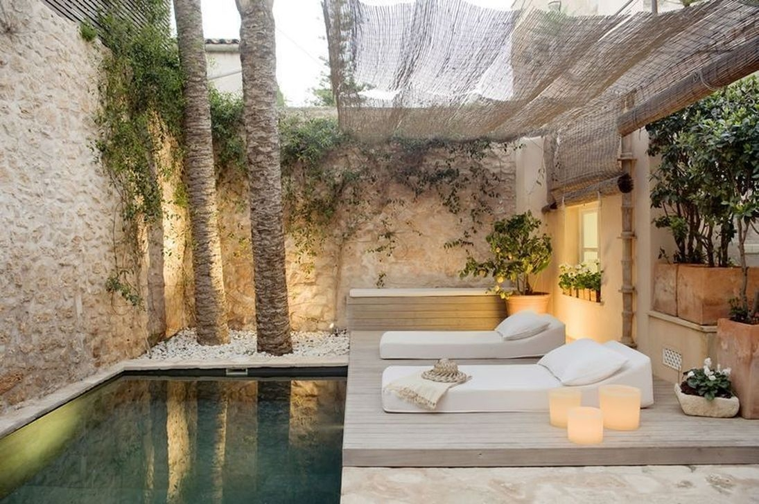Adorable Small Indoor Swimming Pool Design Ideas 16
