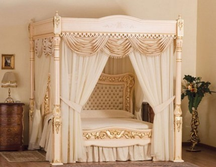 Awesome Canopy Bed With Sparkling Lights Decor Ideas 32