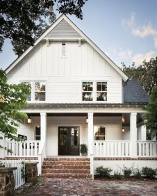 Awesome Farmhouse Home Exterior Design Ideas 54