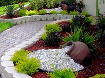 Gorgeous Front Yard Landscaping Remodel Ideas 15