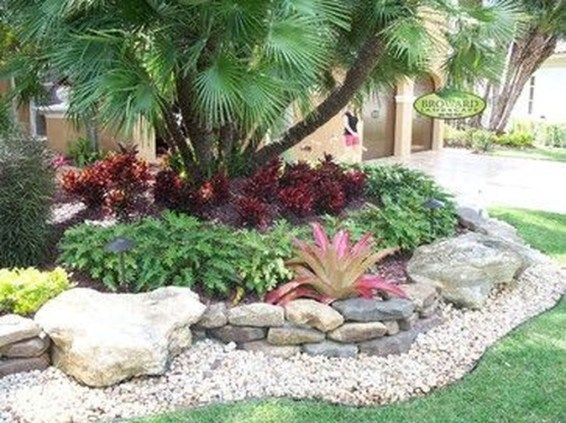 Gorgeous Front Yard Landscaping Remodel Ideas 22