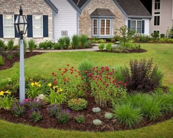 Gorgeous Front Yard Landscaping Remodel Ideas 43