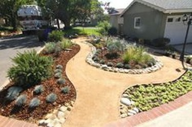 Gorgeous Front Yard Landscaping Remodel Ideas 48