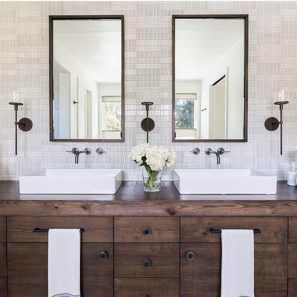 Modern Farmhouse Bathroom Vanity Design Ideas 37