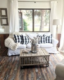 Modern Farmhouse Living Room Decoration Ideas 34
