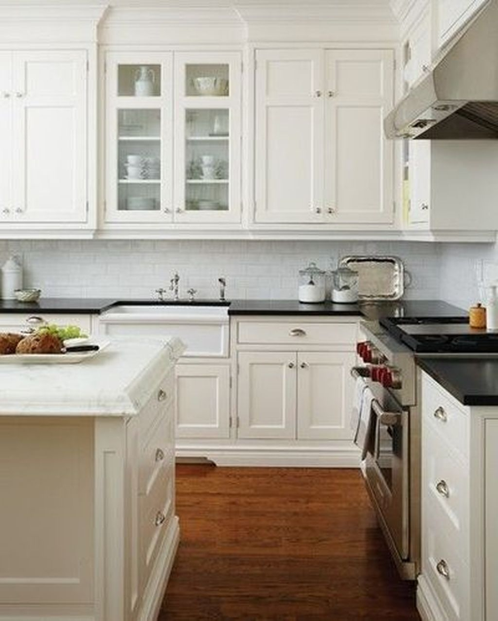 Simple Minimalist Small White Kitchen Design Ideas 17