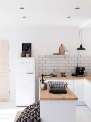 Simple Minimalist Small White Kitchen Design Ideas 18