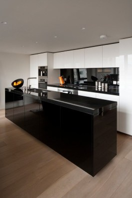 Stunning Luxury Black Kitchen Design Ideas 18