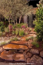 Stylish Stepping Stone Pathway Décor Ideas 44