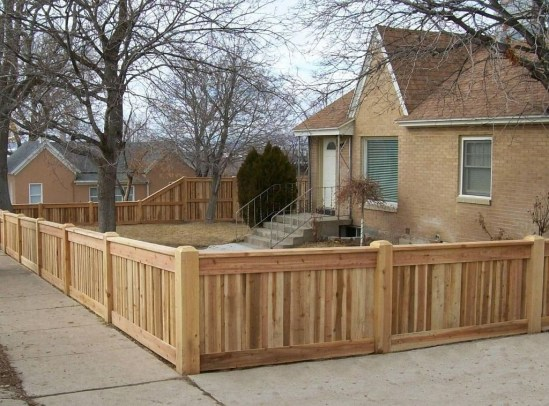 Totally Inspiring Front Yard Fence Remodel Ideas 05