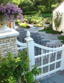 Totally Inspiring Front Yard Fence Remodel Ideas 38