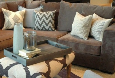 Adorable Decorative Accent Pillows Ideas For Living Room 13