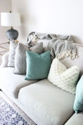 Adorable Decorative Accent Pillows Ideas For Living Room 19
