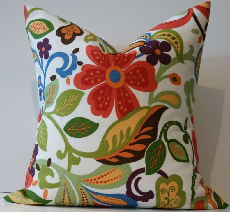 Adorable Decorative Accent Pillows Ideas For Living Room 33
