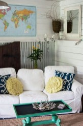 Adorable Decorative Accent Pillows Ideas For Living Room 35