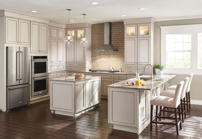 Astonishing U Shaped Kitchen Remodel Ideas 26