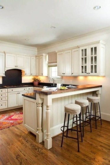 Astonishing U Shaped Kitchen Remodel Ideas 40