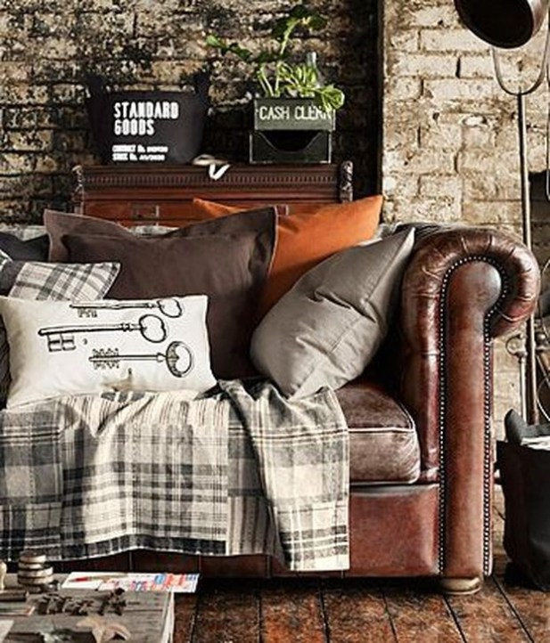 Beautiful Leather Couch Decorating Ideas For Living Room11