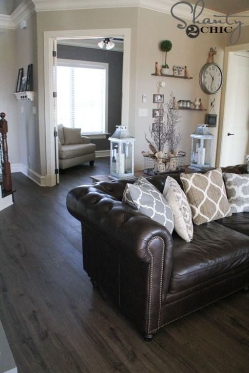 Beautiful Leather Couch Decorating Ideas For Living Room15