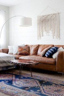 Beautiful Leather Couch Decorating Ideas For Living Room23