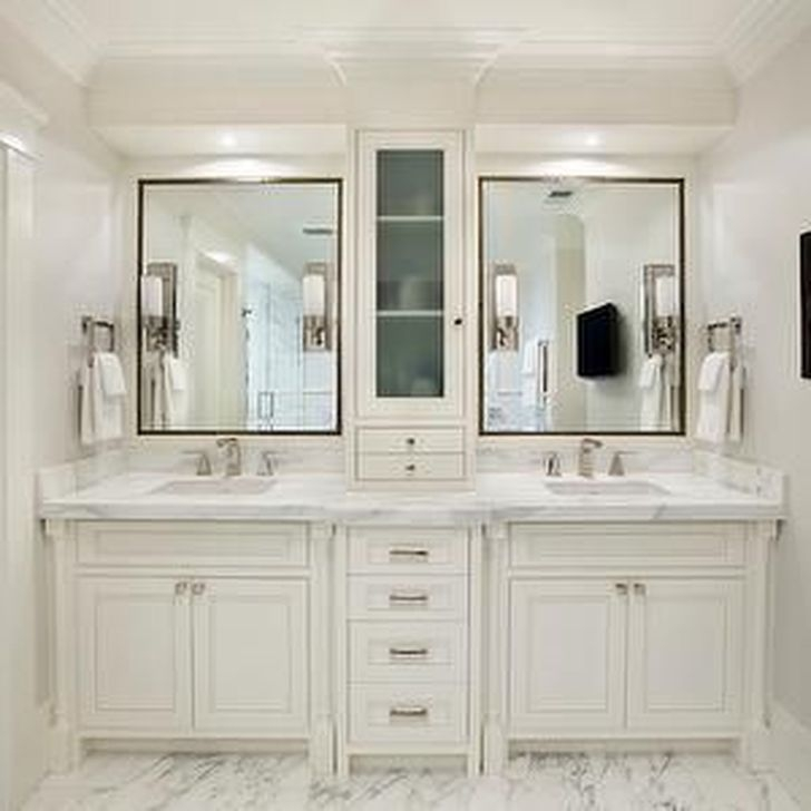 Modern Farmhouse Master Bathroom Remodel Ideas 25