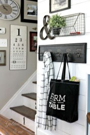 Stunning Farmhouse Entryway Decoration Ideas 01