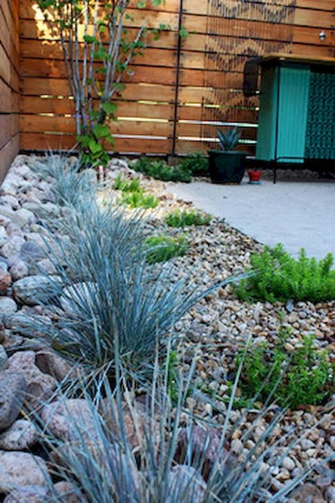 Absolutely Difference Small Backyard Landscaping Ideas 35