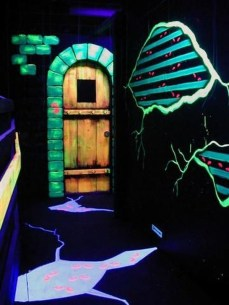 Amazing Halloween Black Decor Ideas To Scary Party Ever 38