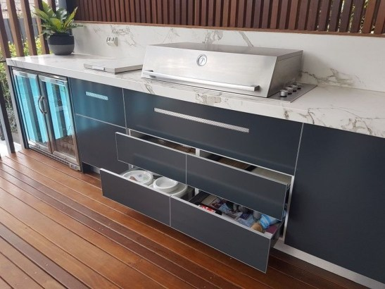 Awesome Outdoor Kitchen Design Ideas 33