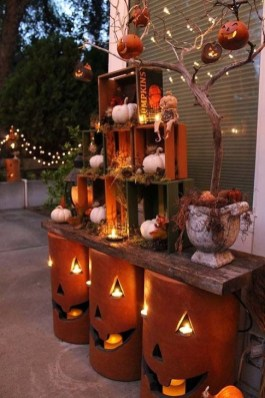 Cozy Vintage Halloween Decoration For Outdoor Ideas 27