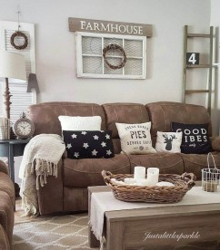 Fantastic Living Room Farmhouse Style Decorating Ideas 06