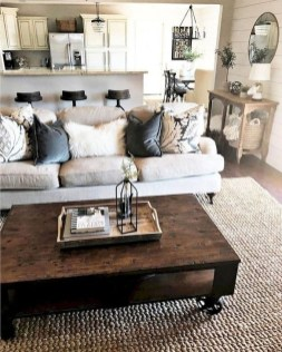 Fantastic Living Room Farmhouse Style Decorating Ideas 44