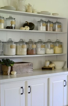 Gorgeous Farmhouse Home Decor Ideas On A Budget 42