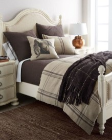 Stunning Bedroom Design And Decor Ideas With Farmhouse Style10