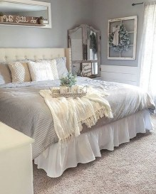 Stunning Bedroom Design And Decor Ideas With Farmhouse Style29