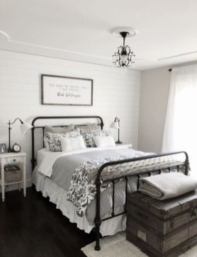 Stunning Bedroom Design And Decor Ideas With Farmhouse Style42
