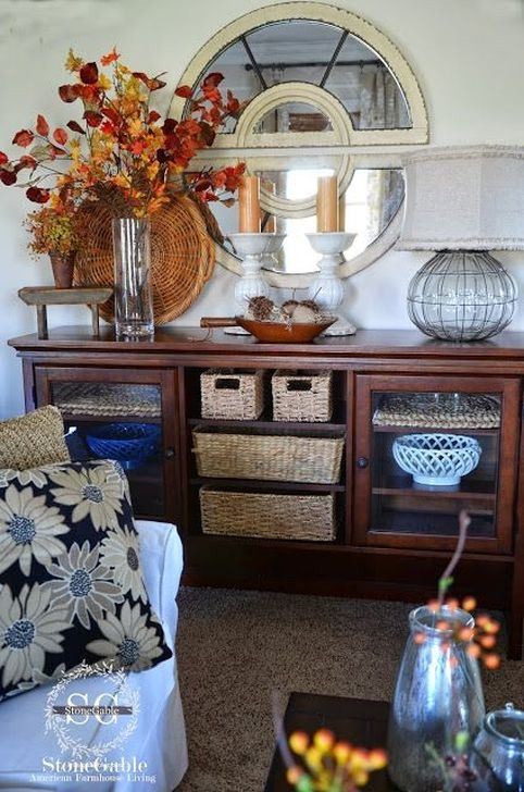 Stylish Console Table For Halloween Ideas 08
