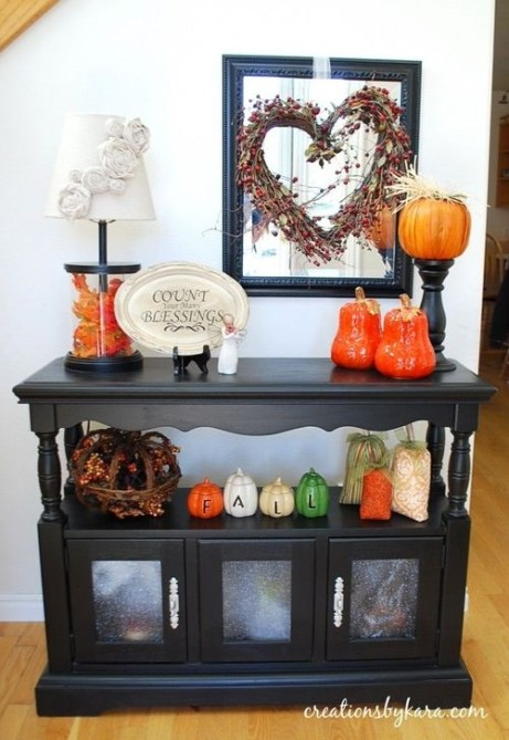 Stylish Console Table For Halloween Ideas 42