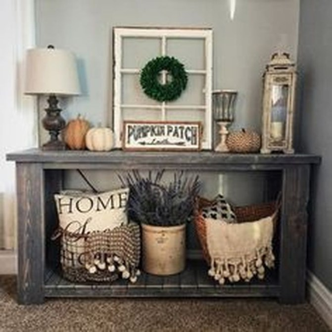Stylish Console Table For Halloween Ideas 43